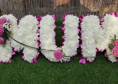 personalised funeral wreaths in Sawbridgeworth