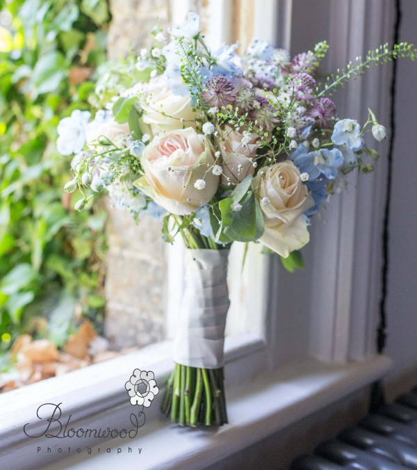 Floral arrangements for your wedding day