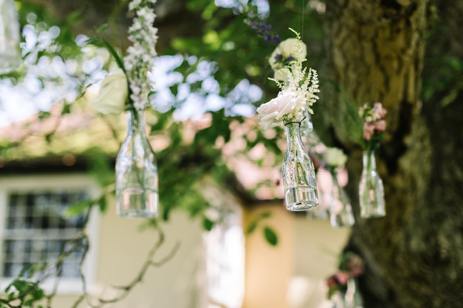 Wedding consultant for wedding flowers